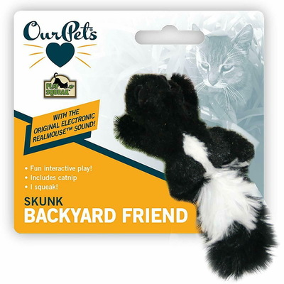 Play-n-Squeak® Backyard Friend Cat Toy - скунс
